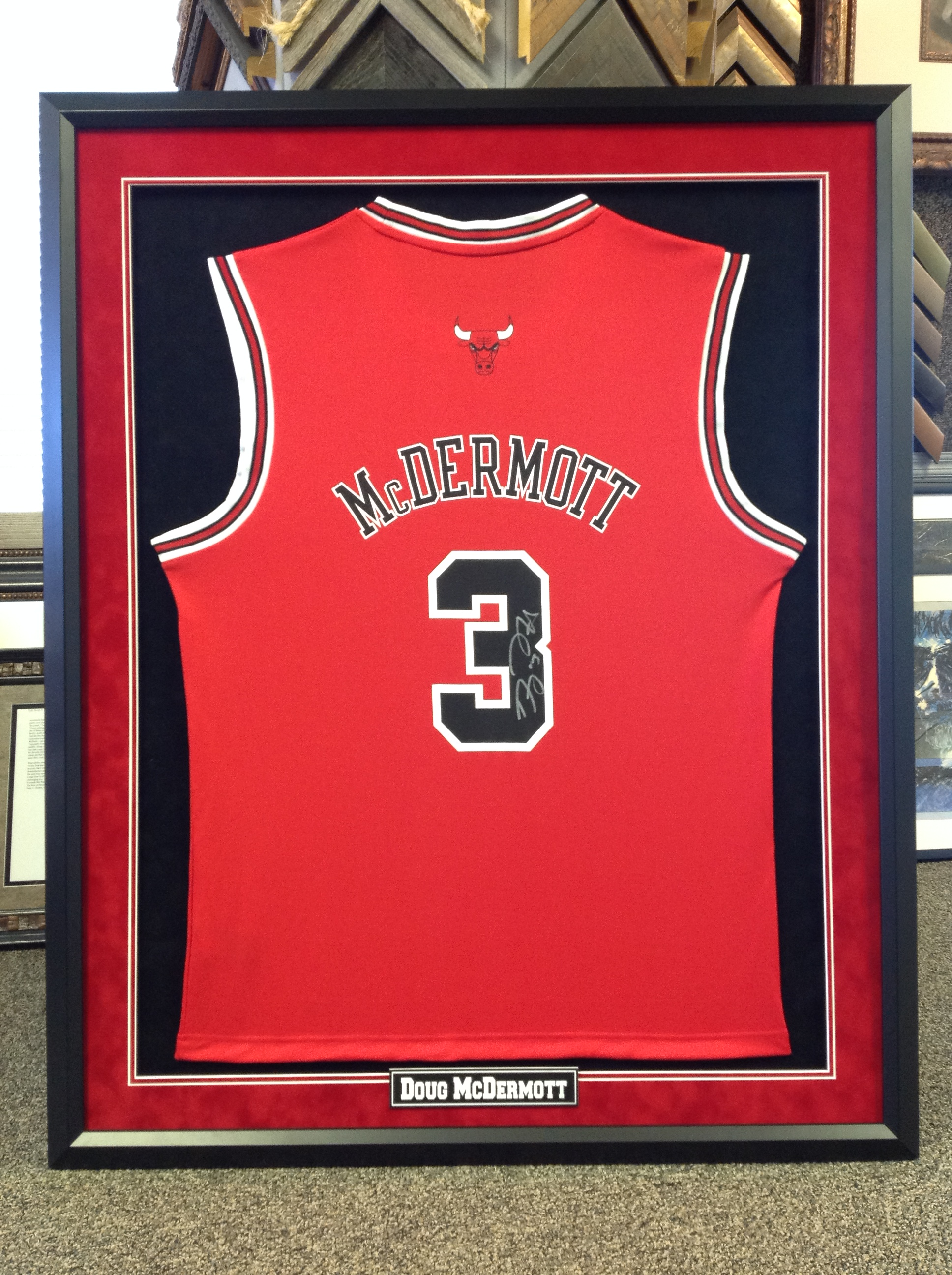 custom framed jersey with plate