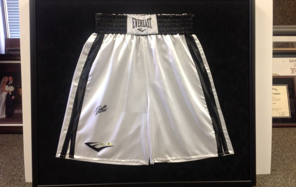Boxing Trunks Signed By Roberto Duran