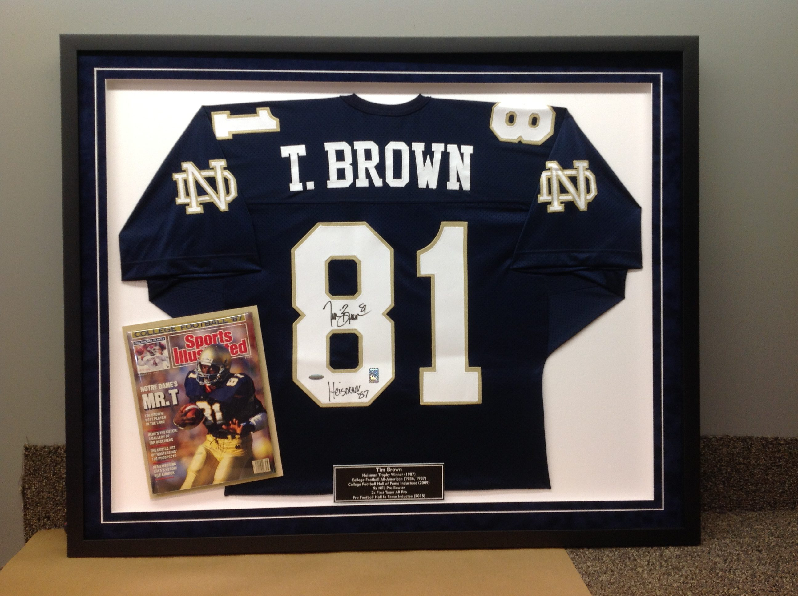 47b93b60 Jersey Framed with Magazine